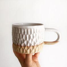 Monday's mug to kickstart the working week! ⚡️☕️ ~ #ceramics #pottery #handmade #ribbedforyourpleasure #texture #monday #mugshot #coffee