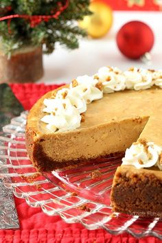 Gingerbread Cheesecake for Christmas dessert! Easy, delicious and oh so delicious! #homemadeinthekitchen #gingerbreadcheesecake #christmasdesserts #gingerbreadrecipes Healthy Dessert Recipes, Fun Desserts, Delicious Desserts, Christmas Desserts, Christmas Baking, Christmas Foods, Christmas 2016, Christmas Ideas, Xmas