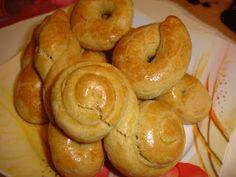 Μία ακόμη πολύ ωραία συνταγή για κουλουράκια που μου έδωσε η φίλη μου η Γεωργία Λ. από τη Χίο.  Υλικά  Μία φυτίνη 400 γρ.  1 βιτάμ  5 αυγά  ...