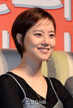 [SS포토]숏컷 변신 문채원, 해맑은 미소 :: 네이버 TV연예