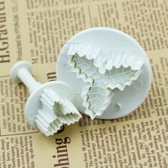 2 pcs Holly Leaf Plunger Cutter Mold Fondant Cake Decorating Kitchen Tool New in Home & Garden, Parties, Occasions, Cake | eBay
