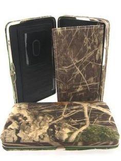 Mossy Oak camo flat wallet.