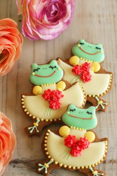 Cutest Frog Cookies Ever!!!......not that I've seen a lot of frog cookies