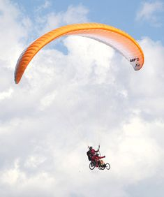 Wounded Vets Try Paragliding From Wheelchairs - The New York Times