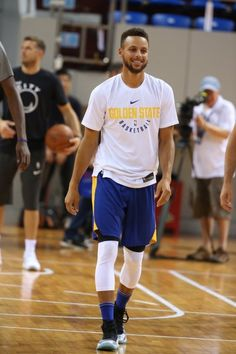 Stephen Curry of the Golden State Warriors during practice and media availability at Shenzhen Gymnasium as part of 2017 NBA Global. Stephen Curry Basketball, Mvp Basketball, Basketball Bedroom, Stephen Curry Shirts, Stephen Curry Wallpaper, Stephen Curry Family, Wardell Stephen Curry, Michael Jordan Pictures, Curry Nba