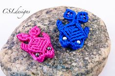 How to: Macramé Turtle, Tortoise, Tortue, Tortuga, Tartaruga Macrame Earrings, Macrame Jewelry, Macrame Bracelets, Macrame Knots, Micro Macrame, Macrame Patterns, Fish Patterns, Bead Crafts, Jewelry Crafts