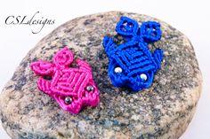 How to: Macramé Turtle, Tortoise, Tortue, Tortuga, Tartaruga Macrame Knots, Micro Macrame, Macrame Jewelry, Fish Patterns, Macrame Patterns, Bead Crafts, Jewelry Crafts, Diy Crafts, Crochet Feather