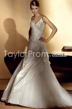 Stunning A-Line/Princess Spaghetti Straps Floor-Length Chapel  Appliques Bridal Gown