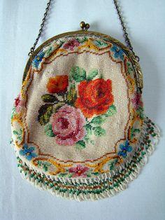 Antique purse Collection, Tineke Nieuwenhuijse.