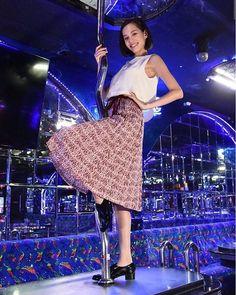 Tsuyoshi Kusanagi and Kiko Mizuhara shooting in Bangkok, Thailand for their new drama #嘘の戦争/Uso No Senso/War of Lies. It will air every Tuesday starting January 2017 at 9 o'clock on Fuji TV  火9『嘘の戦争』1月スタート!楽しみ! #kikomizuhara #kiko #mizuharakiko #水原希子 #usonosenso #drama #japanesedrama #jdrama
