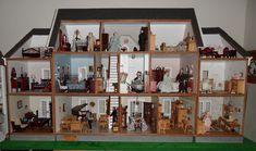 Montclair - Nana's Dollhouses and Miniatures