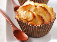 Muffini s jabukom i zobenom kašom Apple Recipes, Sweet Recipes, Baking Recipes, Cake Recipes, Dessert Recipes, Köstliche Desserts, Delicious Desserts, Yummy Food, Pie Cake