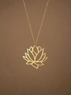 Lotus collar - oro lotus flower collar - flor floreciente - loto - oro 22k superposición de flor de loto en una cadena de 14K de oro vermeil de BubuRuby en Etsy https://www.etsy.com/es/listing/154068753/lotus-collar-oro-lotus-flower-collar
