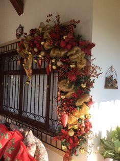 Classic Christmas Decorations, Christmas Swags, Christmas Centerpieces, Christmas Items, Christmas 2017, Christmas And New Year, Christmas Diy, Merry Christmas, Xmas