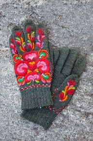 Folklore Fashion - these are so pretty. Crewel embroidery on knitted gloves. Knit Mittens, Mitten Gloves, Norwegian Wedding, Swedish Wedding, Looks Style, My Style, Boho Style, Textiles, Hand Warmers