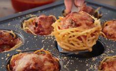 Ecco come preparare degli squisiti muffin di spaghetti con polpette