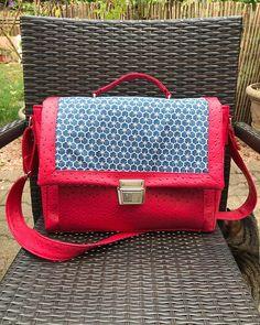 Laura A. sur Instagram: Mon nouveau sac pour cet hiver réalisé ce week end. Modèle Quadrille de chez @patrons_sacotin. Simili et tissus venant de chez…