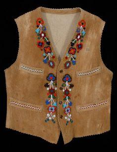 131 Cree Beaded Vest Floral Design Size Medium Goo : Lot 131