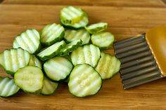 A wonderful, simple recipe for homemade refrigerator Bread and Butter Pickles. No canning equipment required! Just prepare and pop in the fridge! Homemade Refrigerator Pickles, Refrigerator Pickle Recipes, Bread N Butter Pickle Recipe, Bread & Butter Pickles, Homemade Ham, Homemade Pickles, Canning Equipment, Dill Pickle Chips, Pickling Cucumbers