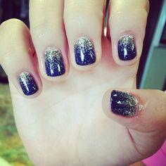 25784 gold gel nails, blue gold nails, dark blue nails, shellac nail co Blue Shellac Nails, Blue Gold Nails, Dark Blue Nails, Navy Nails, Gold Glitter Nails, Glitter Hair, Blue Glitter, Winter Wedding Nails, Winter Nails
