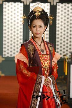 The Great King's Dream (대왕의 꿈) Korean Hanbok, Korean Dress, Korean Outfits, Korean Traditional Dress, Traditional Fashion, Traditional Dresses, Korea Fashion, Asian Fashion, Beautiful Costumes