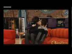 Victorious - Jade interviews Beck - YouTube