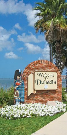 I LOVE Dunedin, FL! Austin and I got married here - great restaurants, shopping and beaches!