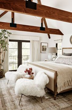 25 Cozy Bedroom Decor Ideas that Add Style & Flair to Your Home - The Trending House Attic Master Bedroom, Master Bedroom Design, Cozy Bedroom, Home Decor Bedroom, Bedroom Ideas, Bedroom Black, Bedroom Inspiration, Modern Bedroom, Peaceful Bedroom