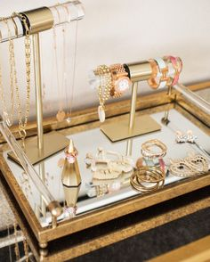 Jewelry organizer ideas: t-bars to organize your bracelets! Keep your jewels organized – in style! A perfect addition to any dresser or vanity, this Large T-Bar Jewelry Stand in Antique Brass is a beautiful way to display your favorite Kendra Scott necklaces.