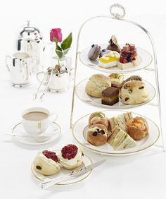 Afternoon Tea at Harrods http://teapaus.com/healthiest-teas-to-drink/