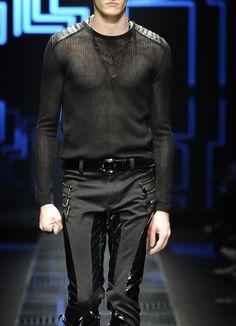 monsieurcouture:  Versace F/W 2010
