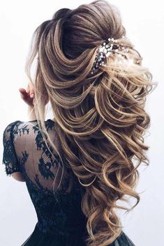 68 Stunning Prom Hairstyles For Long Hair For 2019 – Hair Creations Fluidity – … - Cute Hairstyles Long Hair Wedding Styles, Wedding Hairstyles For Long Hair, Wedding Hair And Makeup, Bride Hairstyles, Hairstyles 2018, Hair Styles For Prom, Elegant Hairstyles, Ponytail Hairstyles, Long Prom Hair