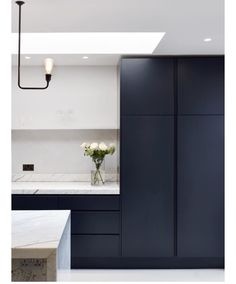 """1,878 Likes, 43 Comments - Dot➕Pop Interiors - Eve Gunson (@dotandpop) on Instagram: """"Feeling the black cabinetry vibes... what do you think, do you love them or loathe them? Beautiful…"""""""