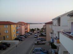 Apartments Teami se nachází v letovisku Povljana, jen 100 metrů od moře, 15 km od historického města Pag a 35 km od oblíbené pláže Zrće s řadou nočních...