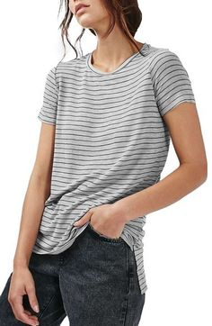 Amplify your carefree weekend vibe with a slouchy thin-striped tee.