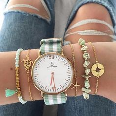 Ladies Stylish Watches are every women choice. Looking into top trends of 2019 for wrist watches we found these beautiful watches. Candy Jewelry, Sea Glass Jewelry, Cute Jewelry, Jewelry Accessories, Fashion Accessories, Elegant Watches, Stylish Watches, Beautiful Watches, Kapten & Son