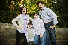 LOL, great family photo poses here but this one takes the cake!