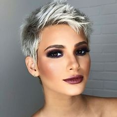 Pixie haircut is really appealing and perfect idea for ladies who want to change their looks completely. So today I will show you the latest pixie haircut. Very Short Pixie Cuts, Short Layered Haircuts, Short Hairstyles For Women, Bob Haircuts, Short Pixie Hairstyles, Hairstyles 2018, Gray Hairstyles, Cropped Hair Styles For Women, Cute Hair Cuts Short