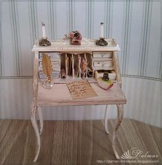 Puppenstuben & -häuser 1/12 scale Dollhouse miniature Art Nouveau dining table with 4 chairs