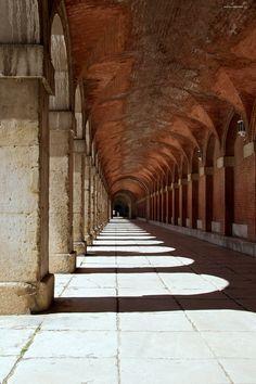https://flic.kr/p/kUyKb5 | La sombra | Palacio Real de Aranjuez