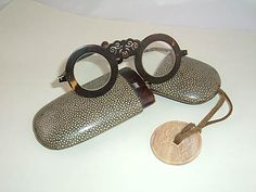 Eyeglasses and Spectacles