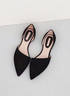 I'm loving this asymmetric pointed toe flat ballerina pumps!