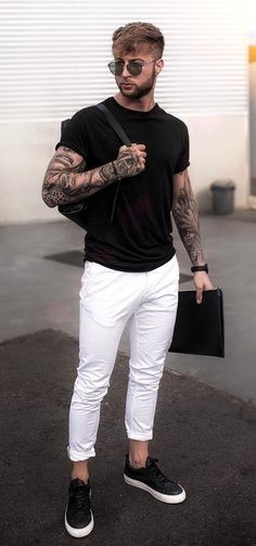 Minimalist fashion men - Men's Guide To Styling White Jeans Outfits Correctly – Minimalist fashion men Simple Casual Outfits, Stylish Mens Outfits, Outfits For Men, Clothes For Men, Hipster Outfits Men, Casual Wear For Men, Casual Styles, Winter Mode Outfits, Winter Fashion Outfits