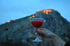 photo: Άννα Γαλανού Drinking, Coffee Maker, Strawberry, Greek, Cocktails, Kitchen Appliances, Plants, Kiosk, Wisdom