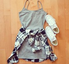We love cute day drinking outfits like this one! - - We love cute day drinking outfits like this one! We love cute day drinking outfits like this one! Teen Fashion Outfits, Mode Outfits, Trendy Outfits, Fall Outfits, Cute Summer Outfits Tumblr, Fashion Ideas, Dress Fashion, Beach Outfits, Creamfields Fashion