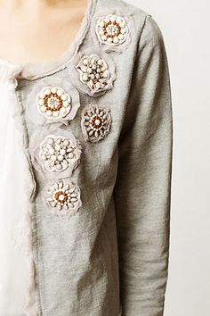 again like for a reconstructed sweater add embellishment Sewing Clothes, Diy Clothes, Altered Couture, Blouse Outfit, Diy Fashion, What To Wear, Textiles, Anthropologie, Stylish