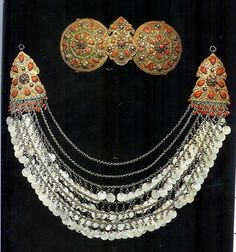 Women's juwelry from Safranbolu (named Saphrambolis by the Greeks): a belt buckle and a chain ornament worn on the breast. Both items are made of silver, coins and inlaid coral. Probably from a Greek workshop, late century. Greek Jewelry, Turkish Jewelry, Tribal Costume, Beaded Collar, Oxidised Jewellery, Tribal Jewelry, Vintage Accessories, Traditional Outfits, Jewelry Design