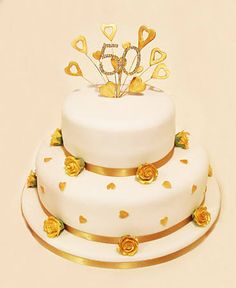 2 tier gold rose anniversary vow renewal cake - we could do 10 Golden Anniversary Cake, 50th Anniversary Cakes, 50th Birthday Cake For Women, Birthday Cakes, Cake Making Supplies, Vow Renewal Cake, 50th Wedding Anniversary Decorations, Celebration Cakes, Wedding Cakes