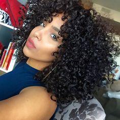 @_lipstickncurlss_   aka #hairgoals