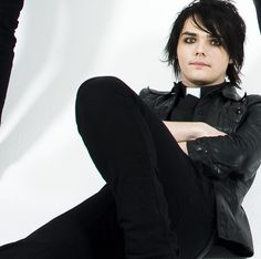 brianna-mcr-love:  If Gerard were actually a priest I'd spend wayy more time at church!(;